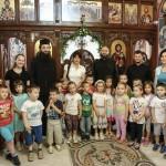 """Деца из вртића """"Невен"""" у Покровској цркви"""