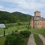 Владика Давид служио свету Литургију у манастиру Дренча код Александровца
