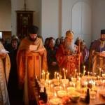 Света архијерејска Литургија на Задушнице у цркви на Новом гробљу у Крушевцу